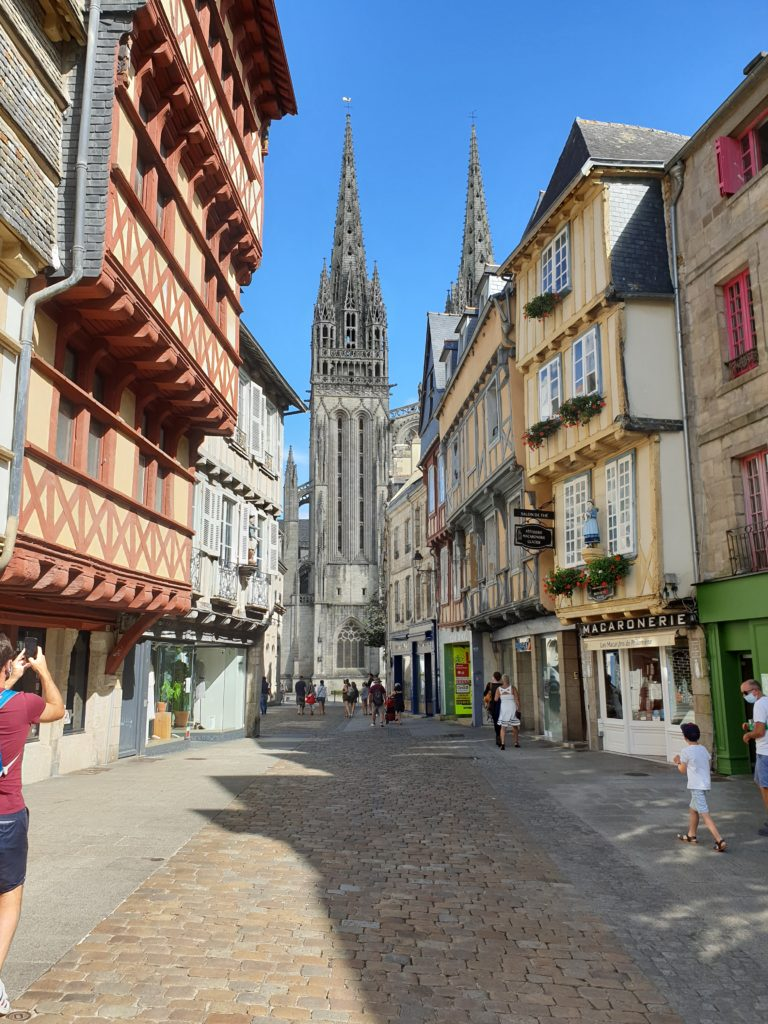 rue kereon quimper cathedrale