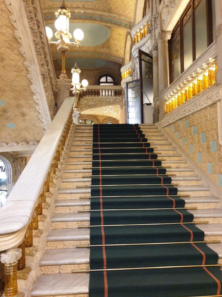 palais de la musique Catalane Barcelone escalier marbre